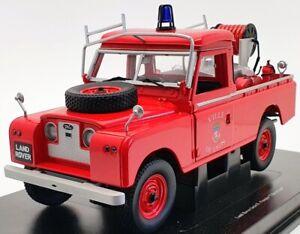 UNIVERSAL-HOBBIES-echelle-1-18-4427-Land-Rover-Serie-II-Firefighter-ville-de-Lyon