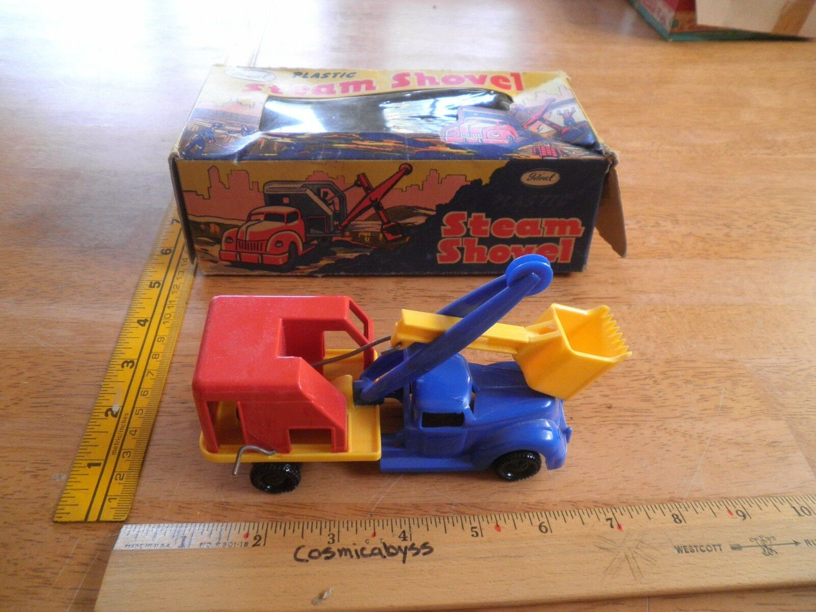 Steam Shovel plastic Ideal toys in box 1940s  for train set-up