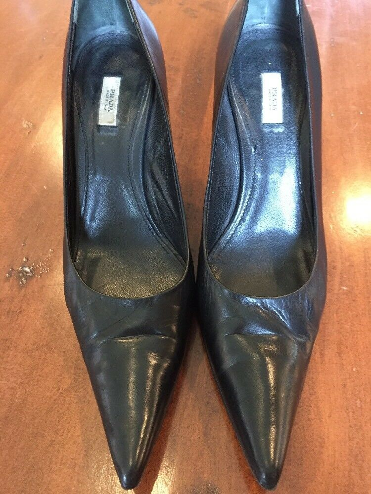 Prada Black Leather Leather Leather Pointy Toe Pumps Size 39  (US 8.5) a66b34
