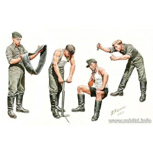 AUTO-REPAIR CREW 4 FIG WWII 1//35 MASTER BOX 3582 DE