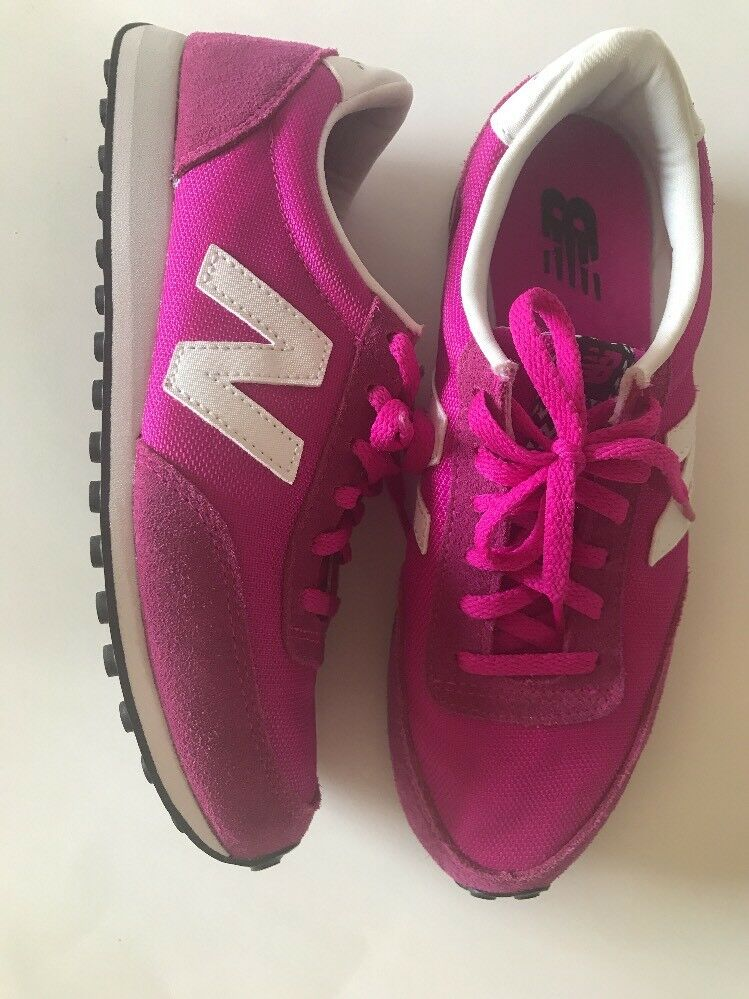 New Balance Woman's Sneakers Tennis shoes Pink sz 7