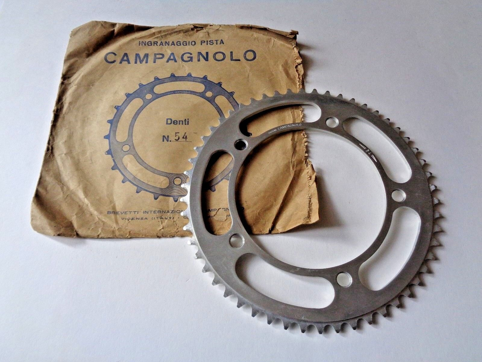 Rare NOS Vintage 1960s Campagnolo Record 54T pista chainring - 151BCD ()