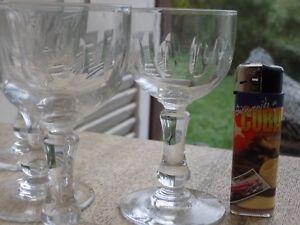 11 Verres A Vin De Boussu En Cristal Taillé Un Style Actuel