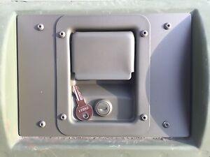 KEY-LOCKING-SLANTBACK-HANDLE-REAR-EXTERIOR-HATCH-LATCH-PLATE-GREEN-M1045-M1043