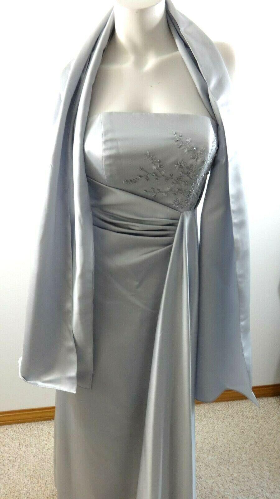 e01ca6cb0078 Davids Bridal donna senza Spalline in Raso Perline da Cerimonia Abiti  argentoo npoeyh4166-Vestiti