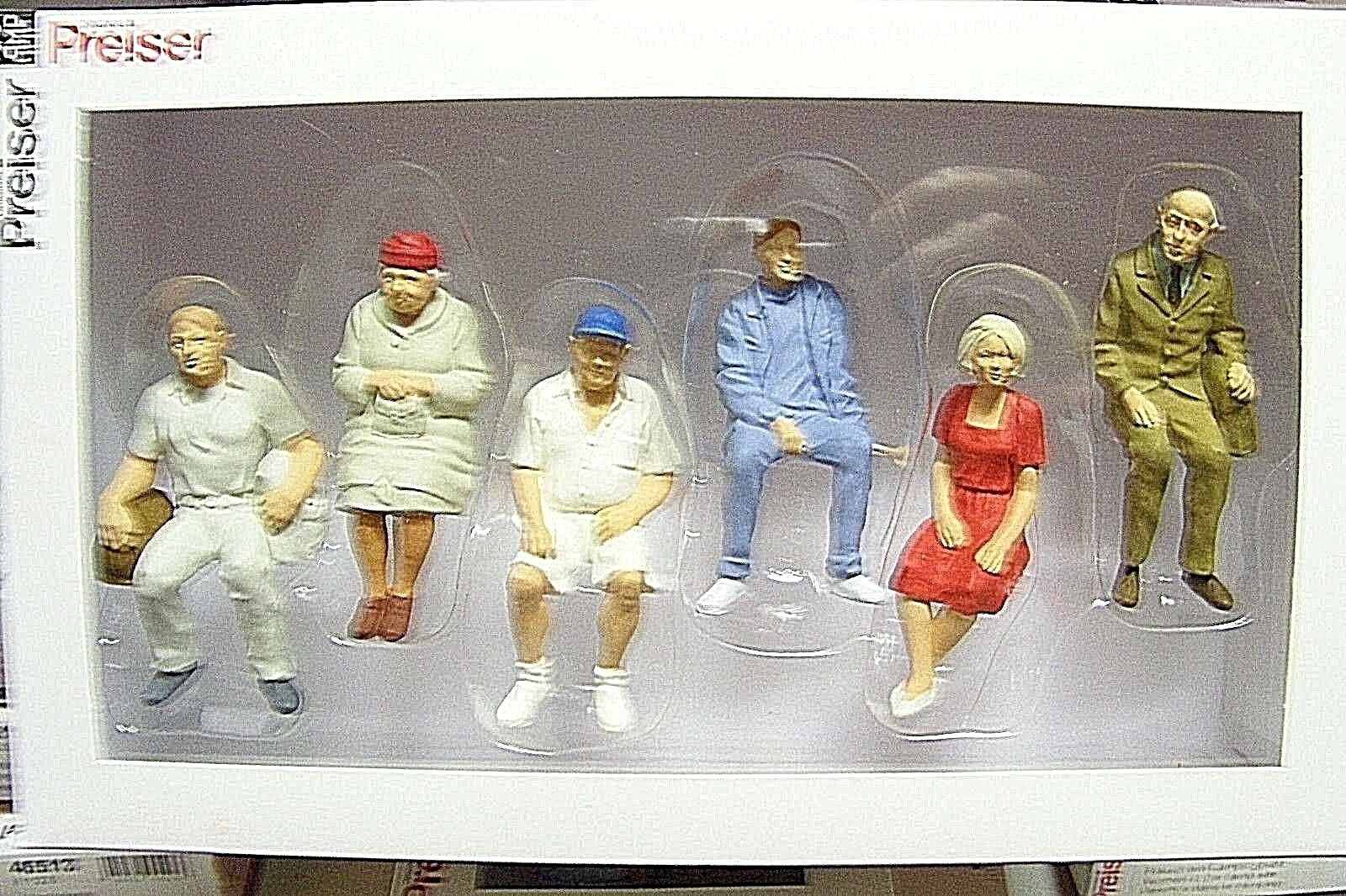 Preiser G scale 1 22.5 SIX SEATED Figures ( including man with ball cap) 45152