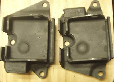 68 69  FIREBIRD TRANS AM  350  ENGINE MOTOR MOUNTS PAIR L R SET