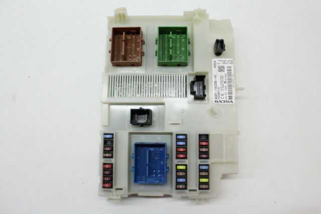 2010 VOLVO XC70 FUSE BOX RELAY JUNCTION CONTROL MODULE ...
