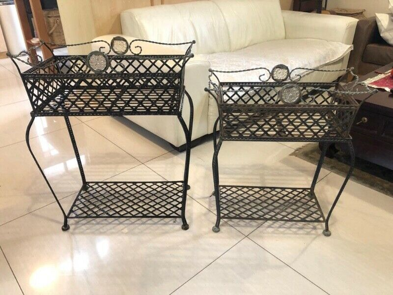 2 Stunning Classic Decor garden planters - price for the pair
