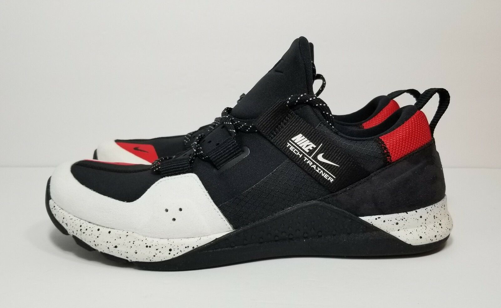 Nike Tech Trainer Mens Size 10 Black Cross Training shoes  Rare