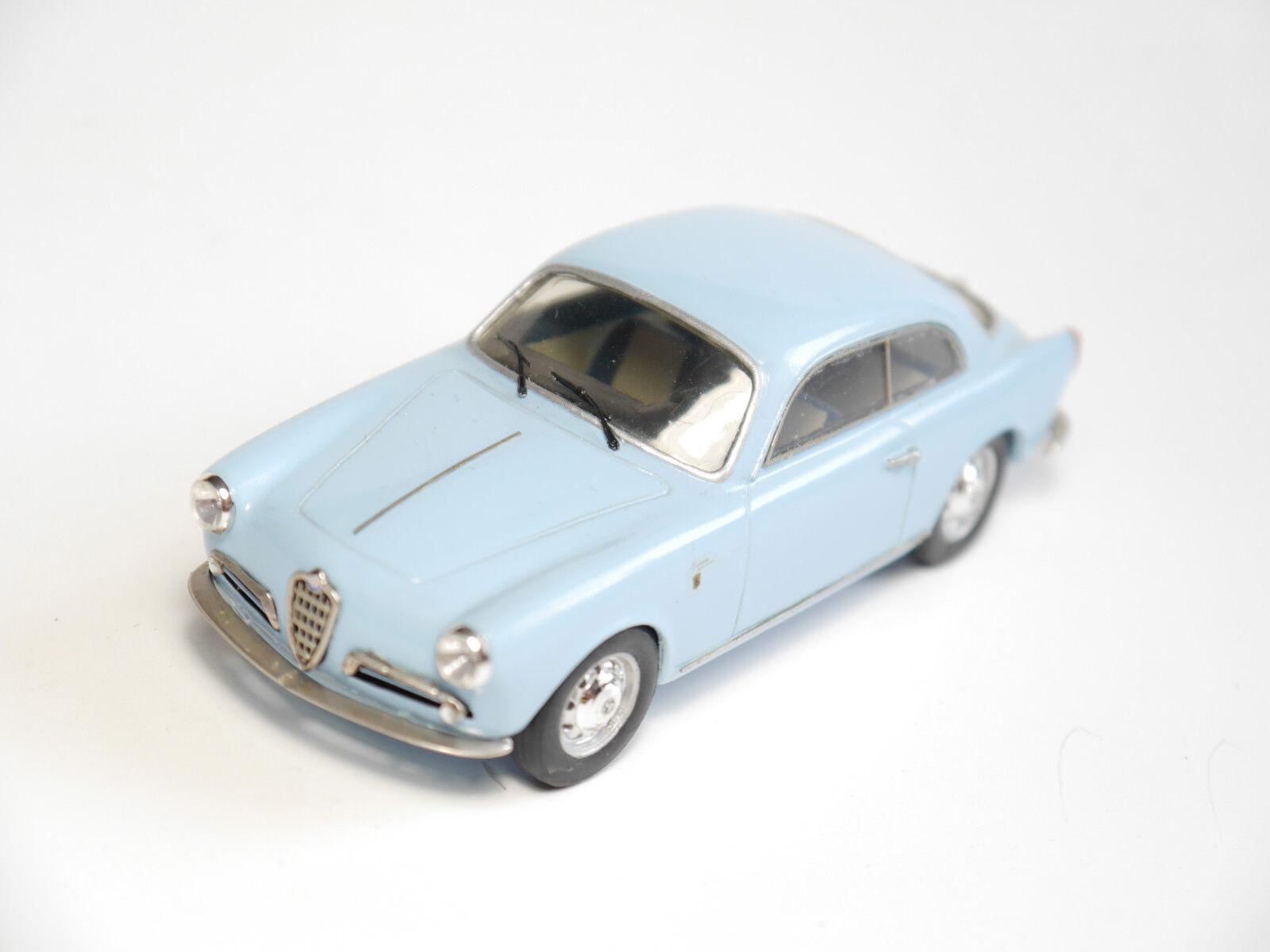 Alfa Giulietta Sprint Tron, Handicraft Handmade-Provence Moulage in 1 43
