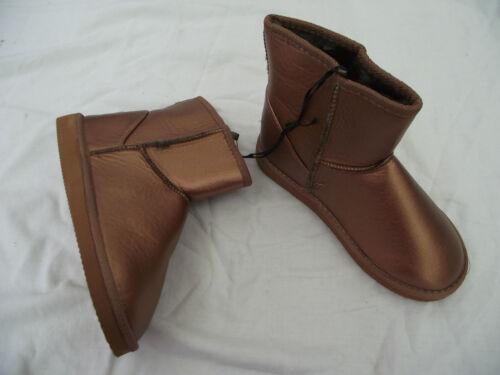 BNWT Ladies Sz 7 Rivers Brand Bronze Short Style Slipper Boots RRP $59.95