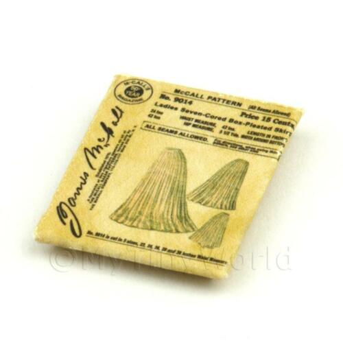 Maison de Poupées Miniature Victorien Robe Motif Paquet vdp007