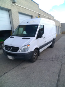 2011 Mercedes-Benz Sprinter Van 3500 Dually