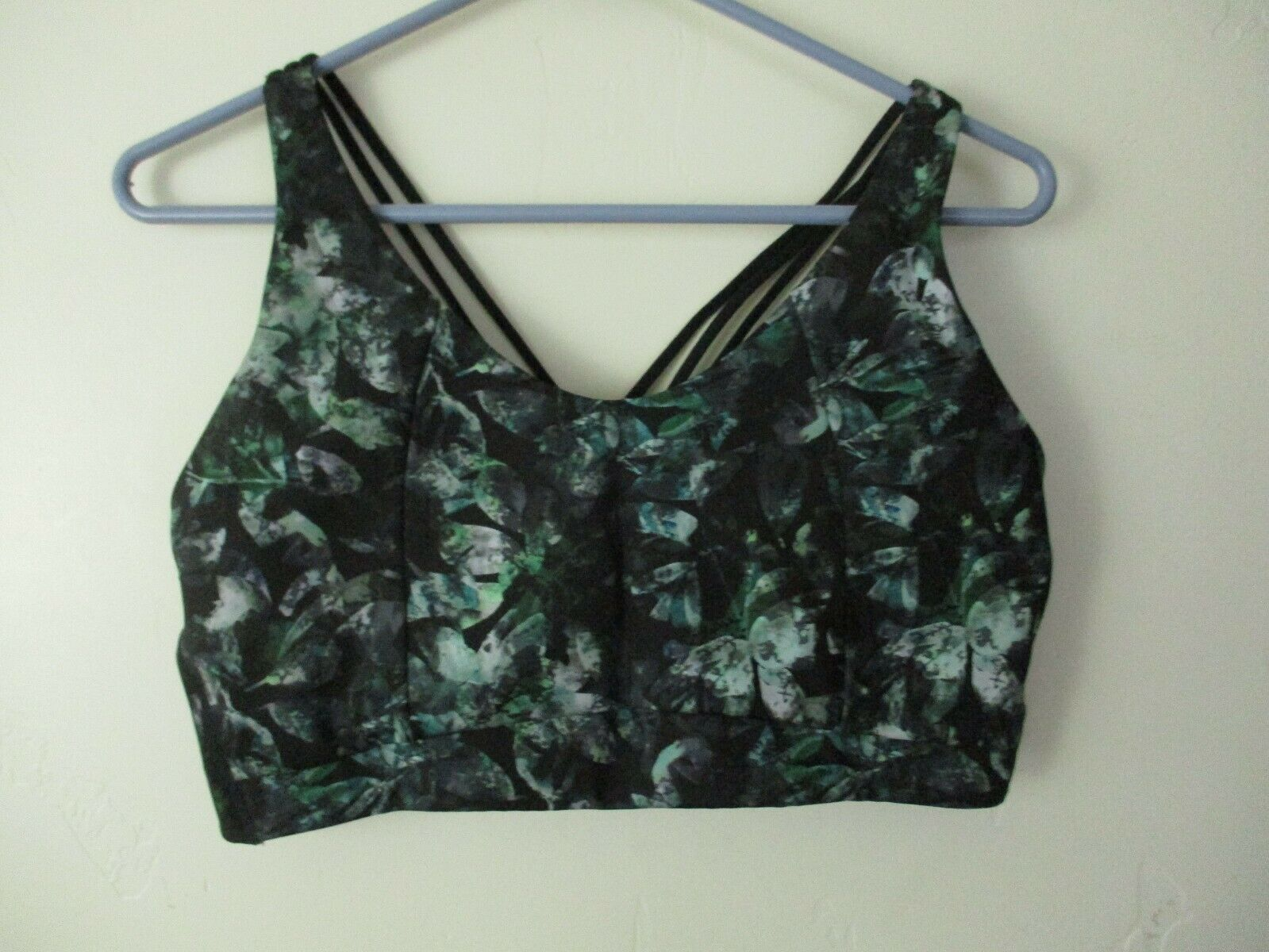XL Women's Sports Bra All in Motion Green black strappy back Target has padding