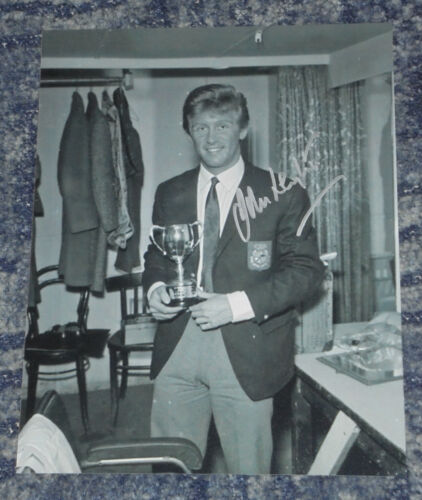 JOHN LEYTON-10x8 PHOTO SIGNED NME POLL WINNERS CONCERT AWARD