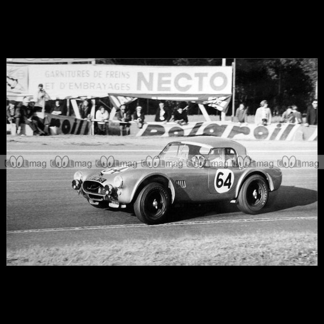 #pha.016157 Photo AC COBRA FRAISSINET-MORTEMART 24 HEURES DU MANS 1964 Car Auto