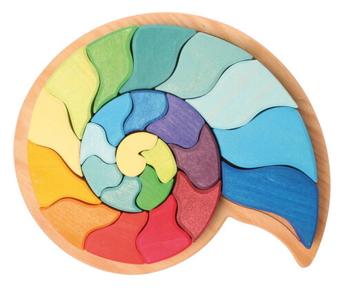 Grimm's Spiel und Holzdesign 43660 Bauspiel Ammonit Schnecke bunt im Holzrahmen Stapelspiele Holzspielzeug