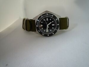 AUTOMATIC-DG2813-Time-Arrow-Military-Benrus-Type-1-316-sapphire-green-white-hand