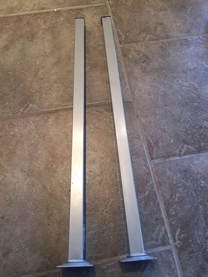 Skrivebord, Støtteben til hjemmebygget væghængt bord