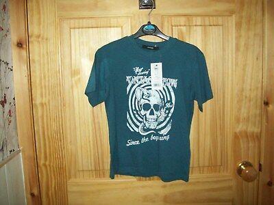*** Guarda *** Nuovo Blu T-shirt [vintage Mostra Teschi Ect] Età 5-6 ***-mostra Il Titolo Originale Vincere Elogi Calorosi Dai Clienti