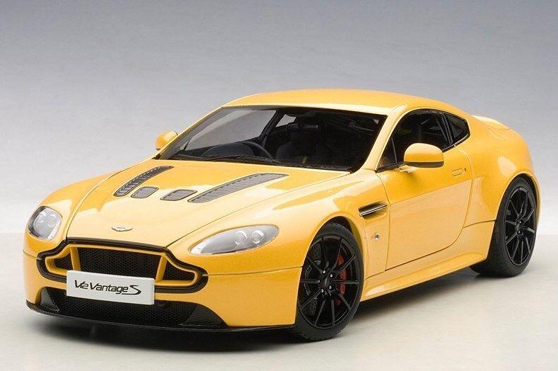 70252 AUTOart 1:18 Aston Martin V12 Vantage S 2015 yellow