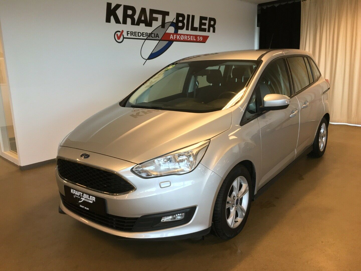 Ford Grand C-MAX 1,5 TDCi 120 Business 5d - 159.900 kr.