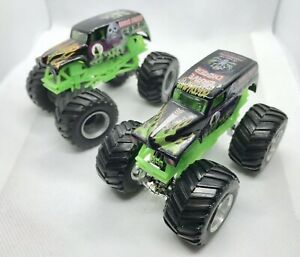 Hot-Wheels-grave-Digger-Monster-Truck-Monster-Jam-bulto-x2-coches-de-fundicion