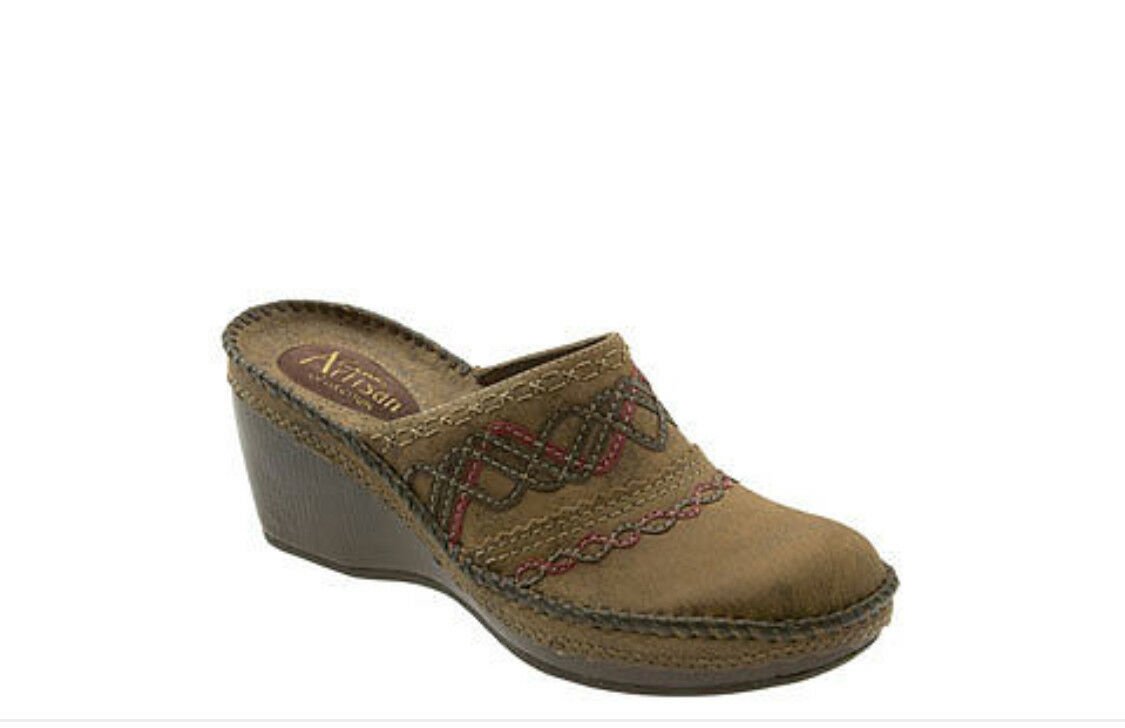 Clarks Artisan Helen Clogs Brown Women's Size 11 SOLD OUT   NEW