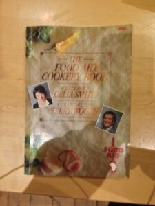 Food-Aid-Cookery-Book-Delia-Smith-Sir-Terry-Wogan