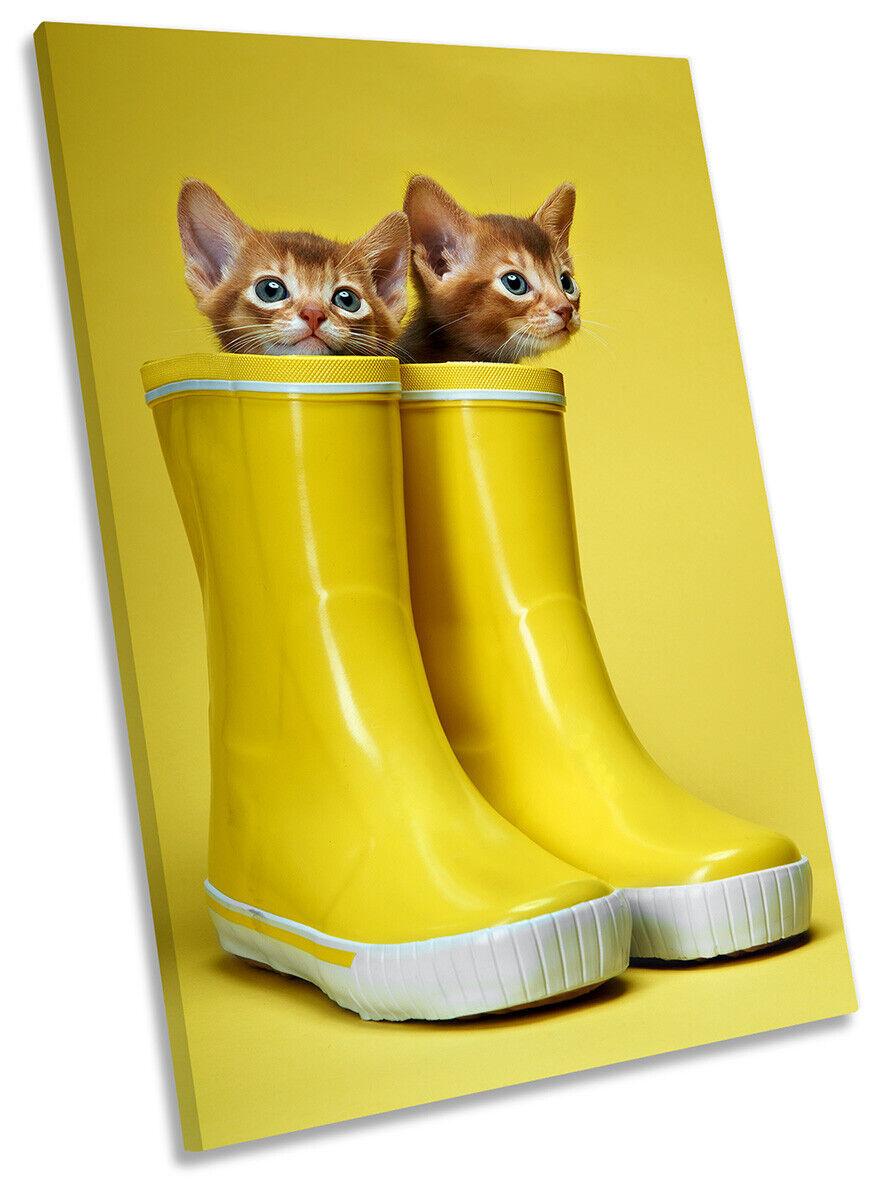 Cute Kittens Wellies Print CANVAS WALL ART Portrait Picture Gelb