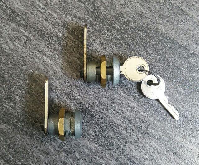 2er SET Schloss & 2 Schlüssel 2 gleichschließende Schlösser Spielautomat Automat