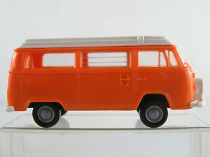 Brekina-VW-Campingwagen-T2-m-Aufstelldach-u-Reserveradhalter-1973-1-87-H0-NEU
