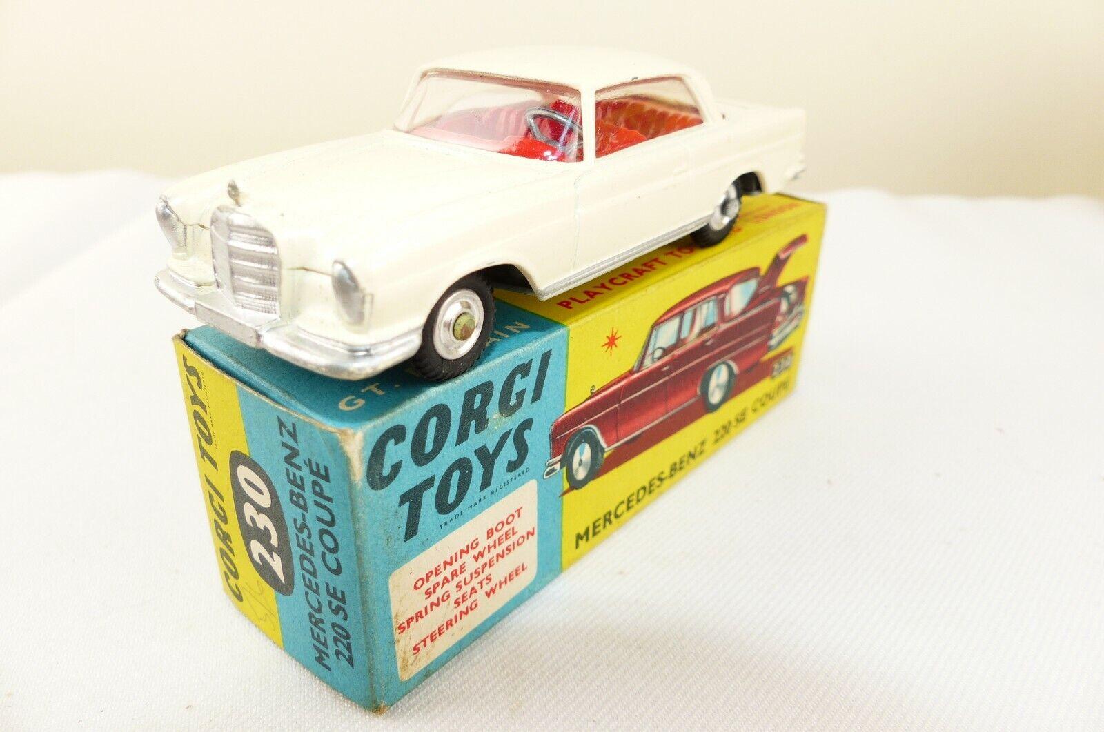 Corgi Original Series No 230 est le modèle de la Mercedes-Benz 229 SE Coupé VNMB