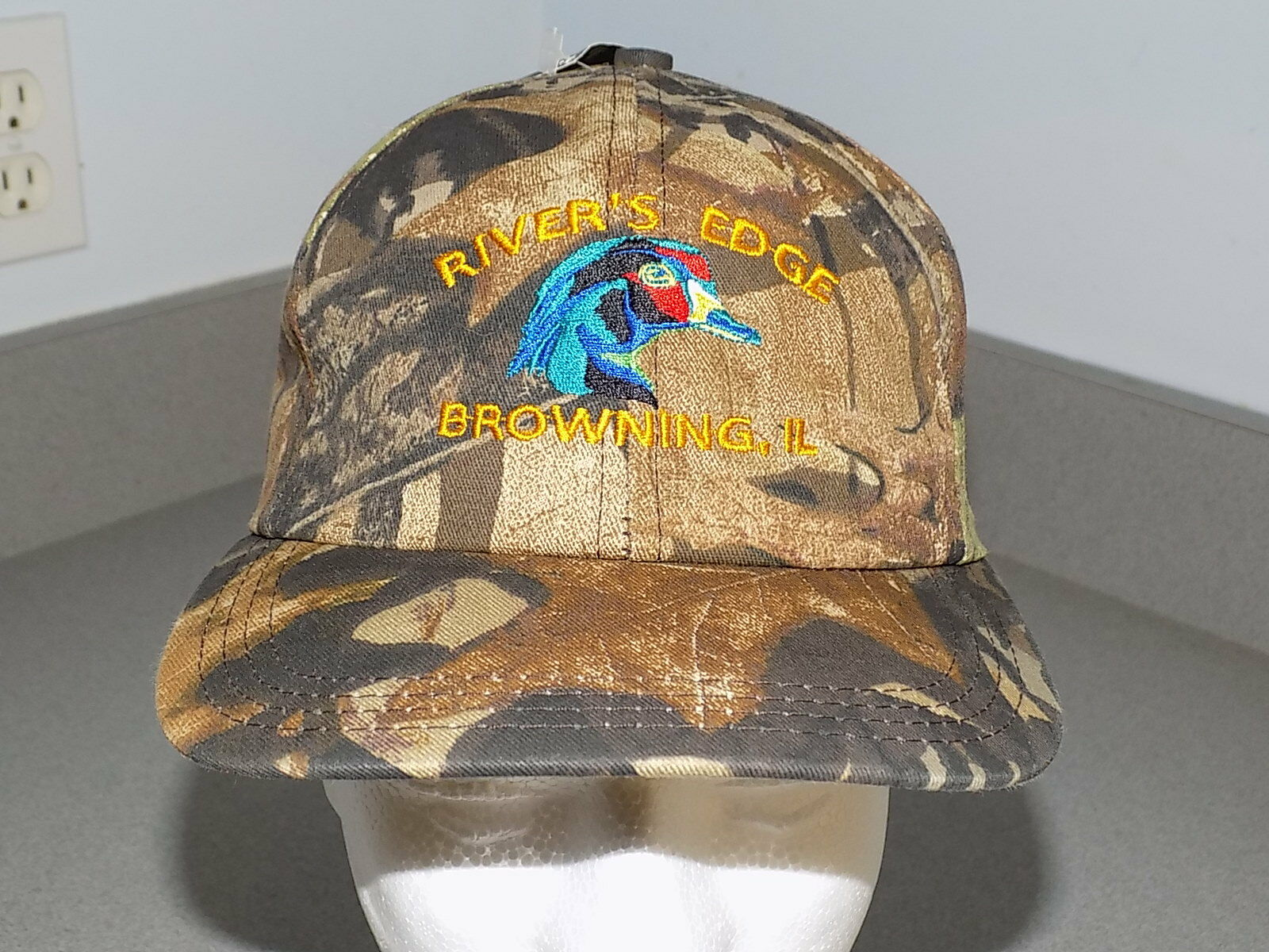 Mossy Oak snapback River's Edge Browning ILL snapback Oak cap adjustableNew with Tag USA e1ff05