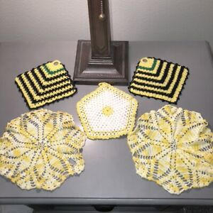 Lot-of-5-Vintage-Yellow-Crocheted-Doilies-3-Hanging-2-Matching-8-034-Mid-Century