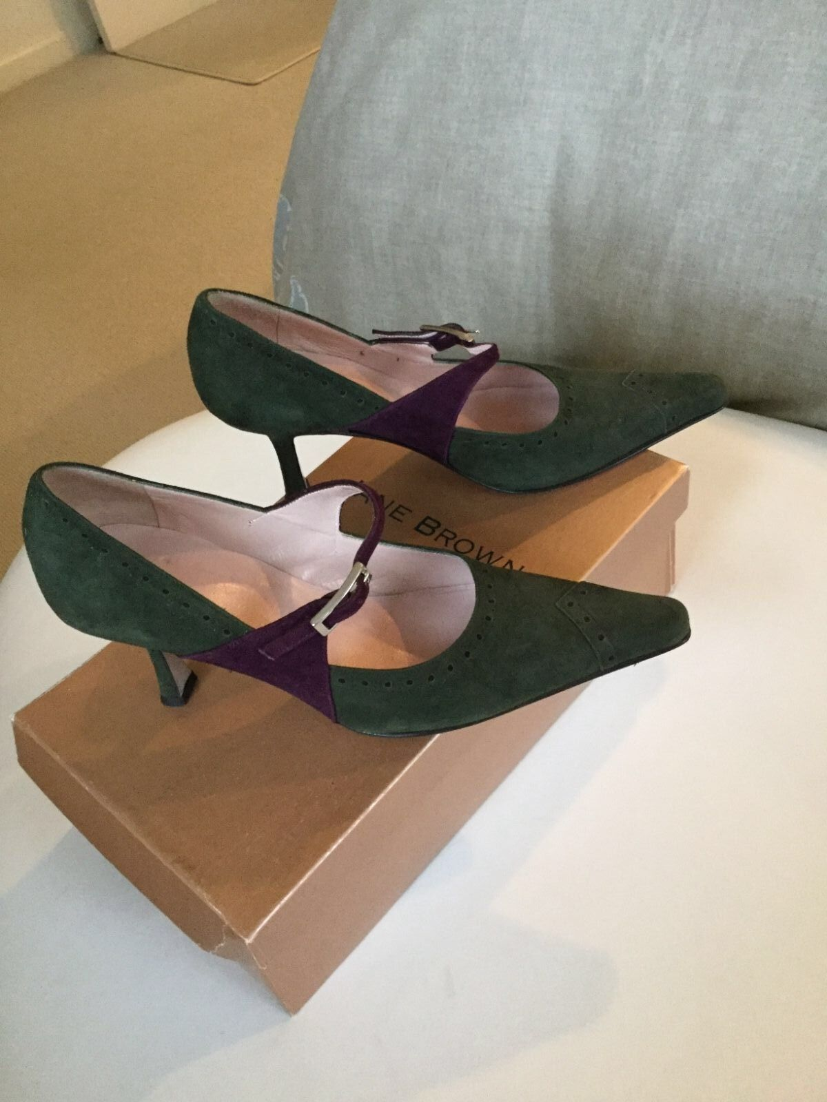 Jane Brown London olive green suede shoes Mary Jane style size 36 6 burgundy