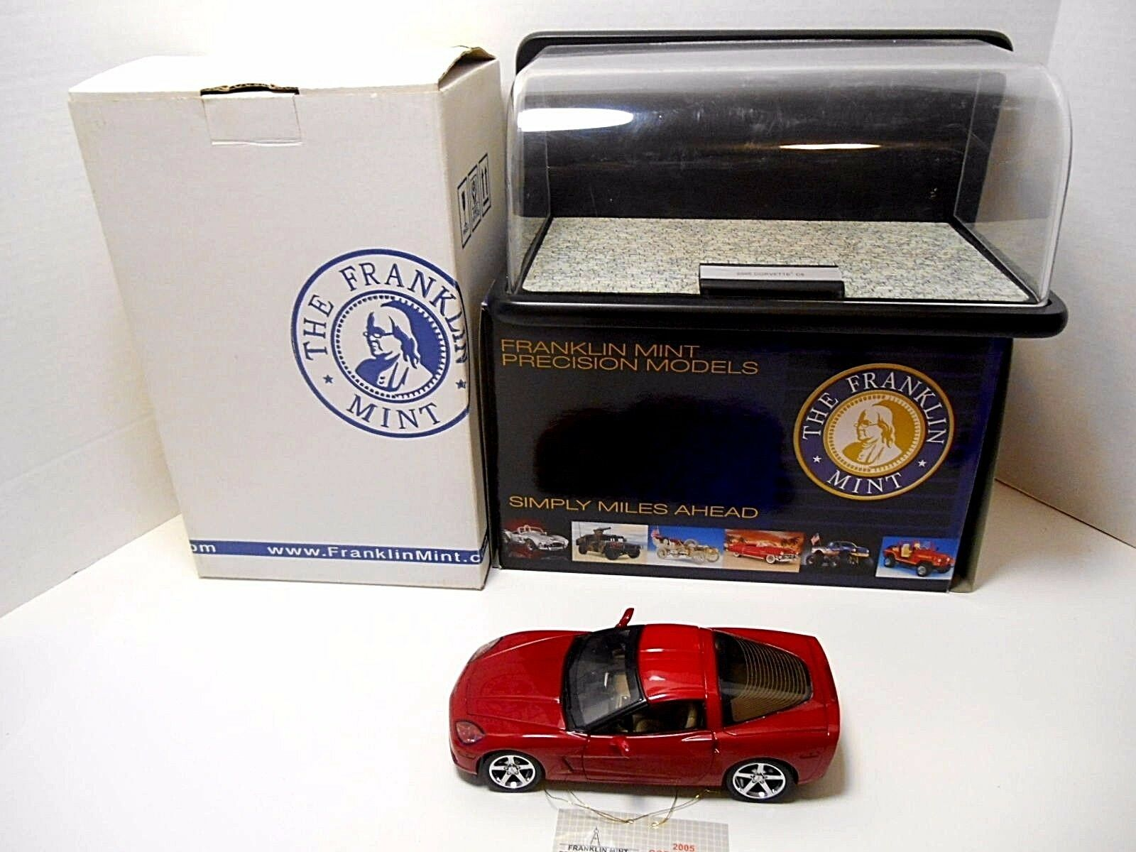 Franklin Mint   '2005 rosso Chevrolet Corvette C6'   W/ Show Case  1/24   B11C590