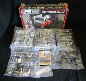 AMT-ERTL-Pro-Shop-039-57-Corvette-Fuel-Injected-283-034-Small-Block-034-Box-Damaged