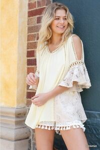 UMGEE-Top-Size-Small-Women-s-Yellow-Cold-Shoulder-w-Lace-amp-Cut-Out-Details-Top