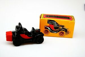 VTG-AVON-Electric-Charger-Car-Collectible-Bottle-Empty-Wild-Country-After-Shave