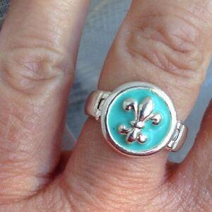 Bague De La Marque Clio Blue En Argent Poincon 925 Avec 1 Fleur De