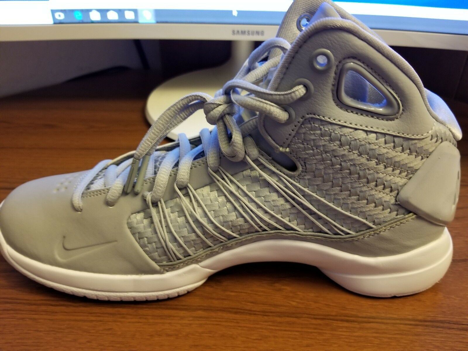 Nike - 818137-002 - hyperdunk lux - - scarpe da uomo - lux lupo grigio e bianco - misura 8,5 13ec5b