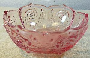 Vintage-Translucent-Pink-Pressed-Glass-Embossed-Bowl-Flower-Design-Scalloped-Top