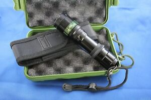 Ultrafire-XRE-Q5-LED-LED-Flashlight-400lumens-4w-Distance-20-100m-Zoomable