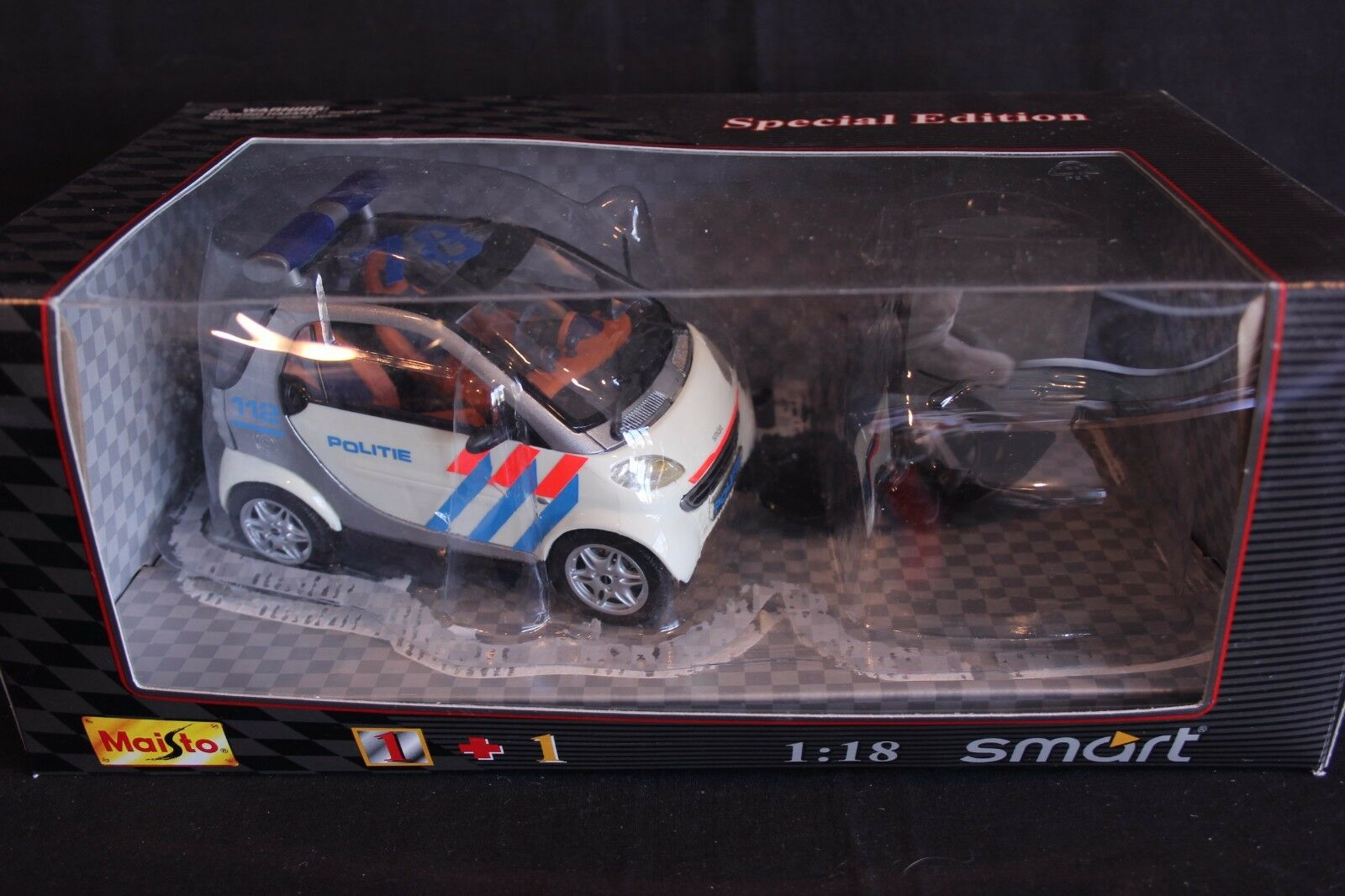 Maisto Smart For Two 1 18  Politie  (NED) (JS)