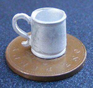 1:12 Échelle étain Métal Tankard Tumdee Maison De Poupées Miniature Bar Pub Dh054c-afficher Le Titre D'origine