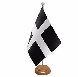 "CORNWALL TABLE FLAG 9/"" X 6/"" 22.5cm x 15cm flags CORNISH KERNOW"