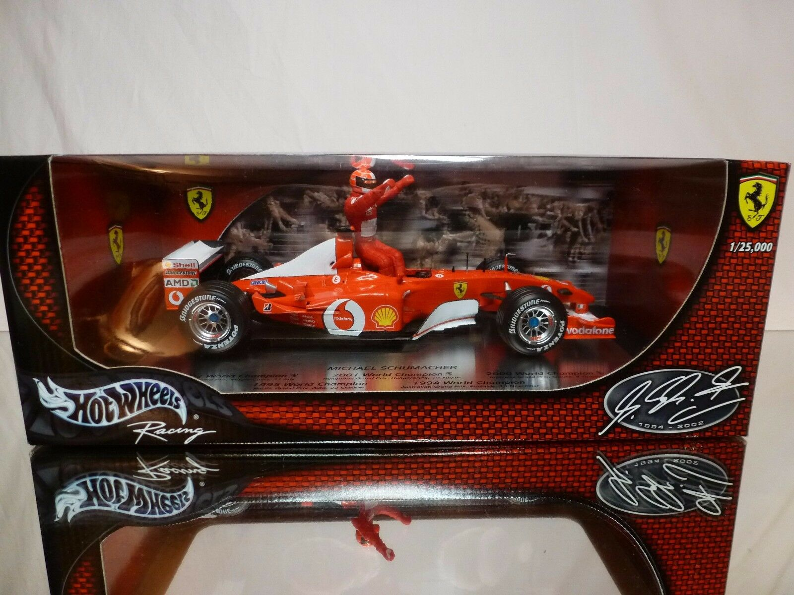 HOT WHEELS 54614 FERRARI F2002 - CHAMP - SCHUMACHER - F1 1 18 - EXCELLENT IN BOX
