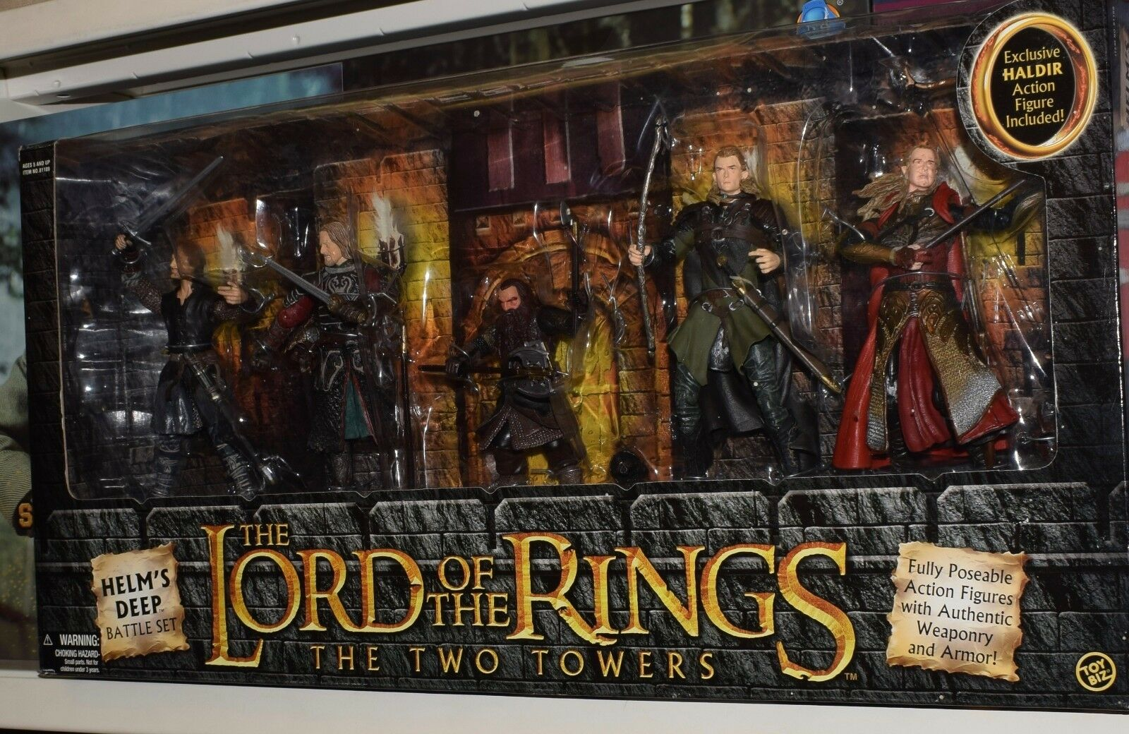 TOY BIZ LORD OF THE RINGS TWO TOWERS HELM'S DEEP BATTLE SET ACTION FIGURES